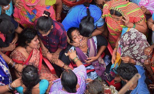 amarnath-victims-family-members-pti_650x400_71499799929.jpg